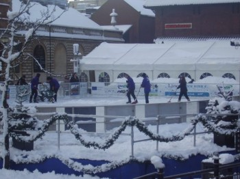 The outdoor ice rink was still open in the winter weather. Photo: Charlotte Reid
