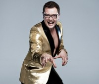 Alan Carr performed a warm-up show at the LPAC for his upcoming Spexy Beast tour. Credit: Alison Peters PR.